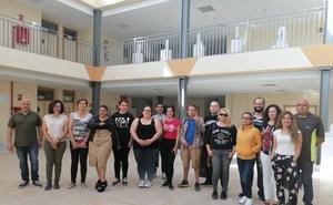 Desempleados comienzan un curso de manejo de máquinas de control numérico de la Escuela del Mármol