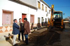 La Diputación trabaja en mejorar calles de Marmolejo, donde ha invertido un millón de euros