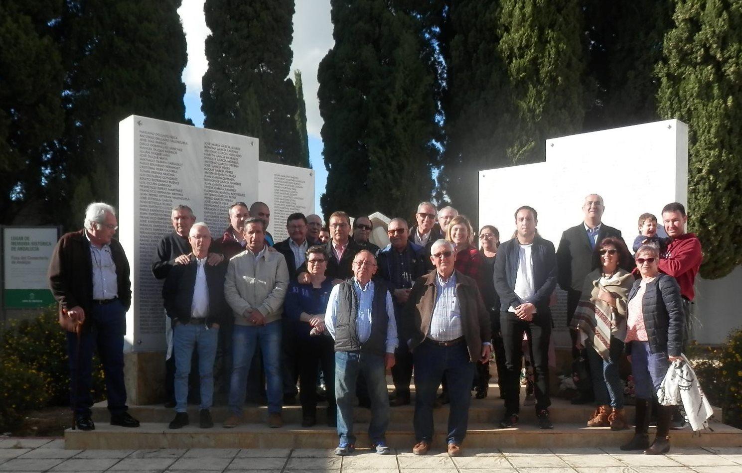 El PSOE y la Asociación para la Memoria Histórica honran a los trabajadores represaliados