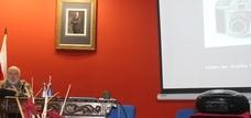 Afoan y la UNED inician su acuerdo con una charla de postín