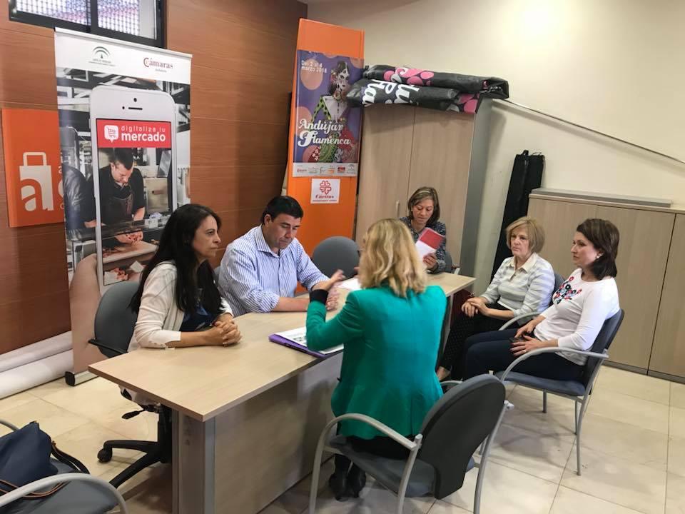 La Plaza de Abastos de Andújar se adentra en el mundo de la digitalización