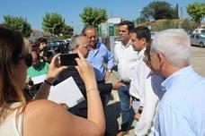 Juan Manuel Moreno denuncia la falta de planificación sanitaria en Andalucía