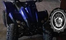 Intervenido en Andújar un quad cuyo conductor conducía sin matrícula ni casco mientras se fumaba un porro