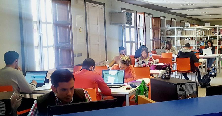 Las bibliotecas de la ciudad se conciben como zonas de formación y convivencia