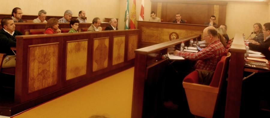 Las ordenanzas se aprueban con los votos del gobierno y los contrarios de la oposición