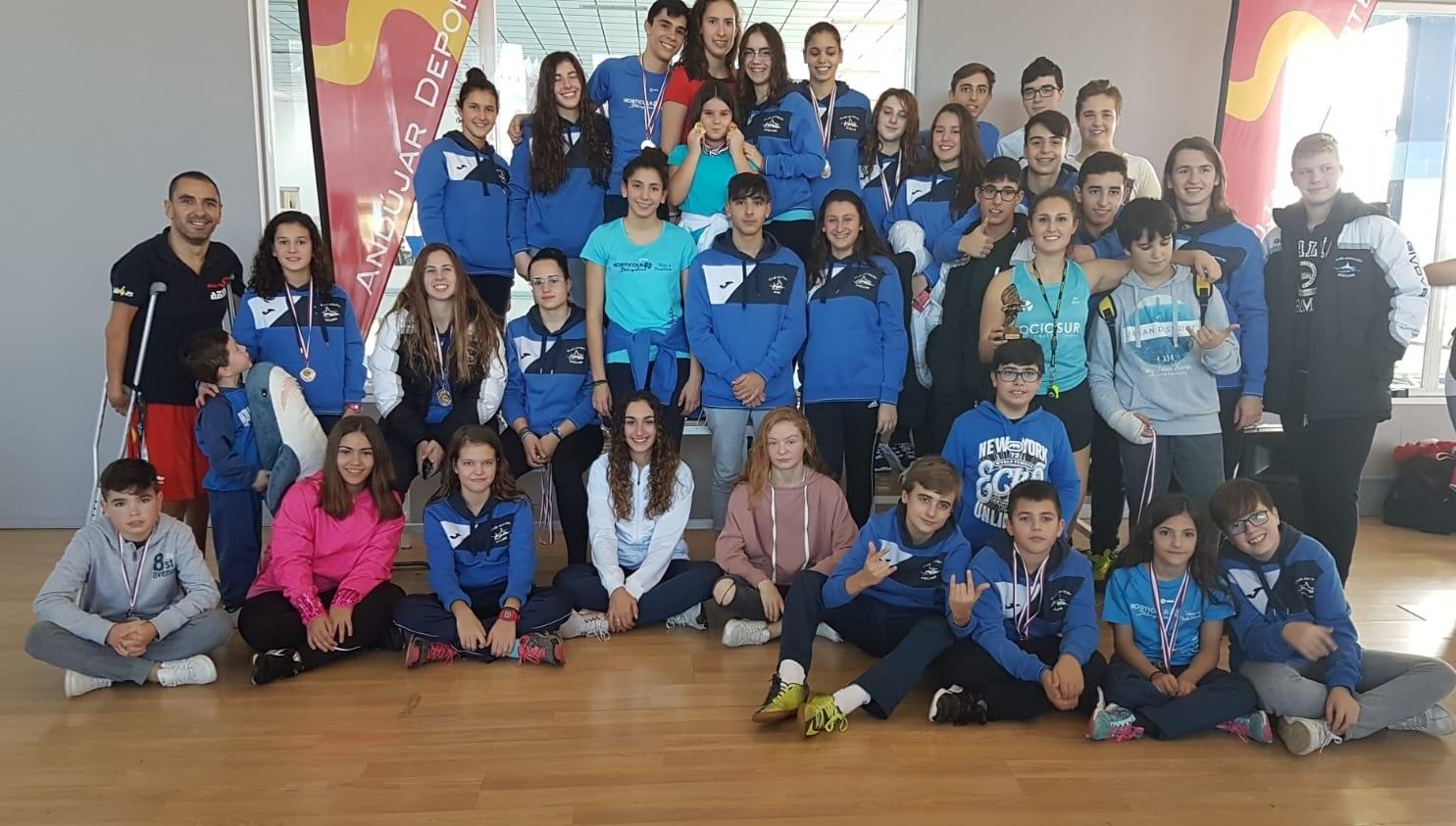El Club Natación Andújar obtiene 41 medallas en su torneo navideño con presencia de los clubes de Jaén y Córdoba
