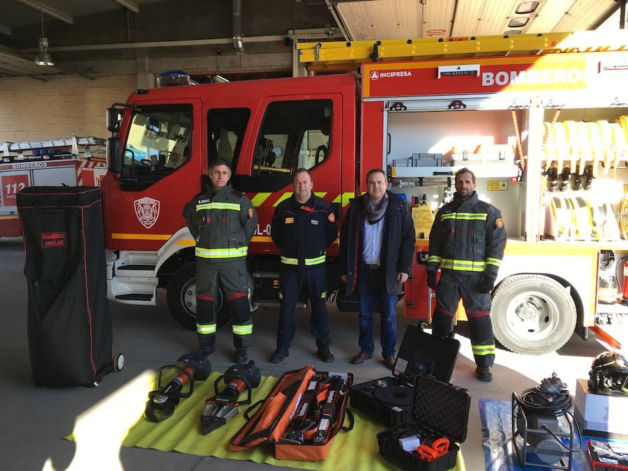El parque de bomberos de Andújar aumenta su equipamiento y se convierte en referente