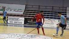 El Amigos del Fútbol Sala de Andújar puja por el ascenso, aunque perdió el derbi comarcal