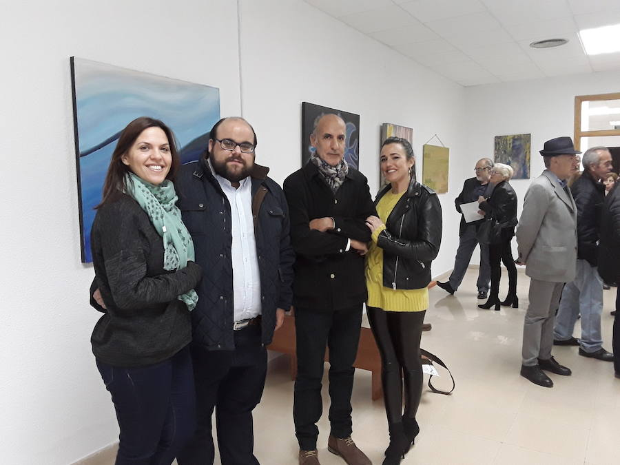 Cruz Roja organiza una exposición pictórica solidaria con Pedro Morales de protagonista