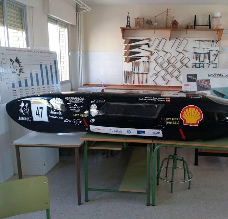 El IES Jándula mejora las prestaciones del coche Lince para la Shell Eco-Maraton