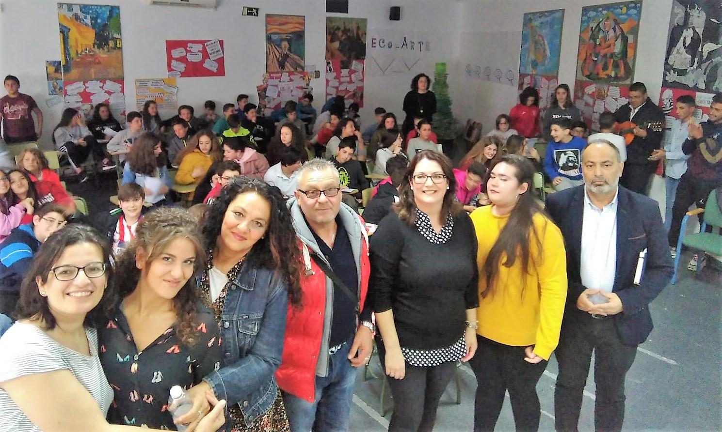 La asociación 'Lachirí' conciencia a jóvenes sobre el respeto a la multiculturalidad
