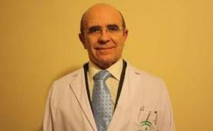 El médico de Andújar que suplica a la Junta que no le jubilen