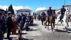 Loas a las fuerzas de seguridad en Romería