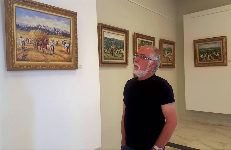 Un total de 33 cuadros del 'trotamundos' Solórzano se exhiben en Andújar