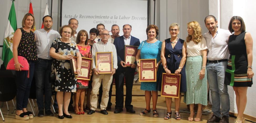 Homenaje a nueve profesores que se jubilan este curso en Andújar