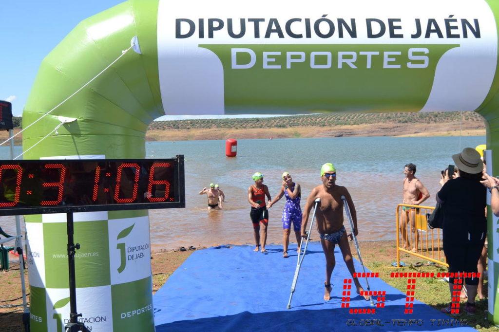 Miguel Ángel Martíne Tajuelo se adjudica el Circuito de Travesías a Nado por los Pantanos de Jaén 2019