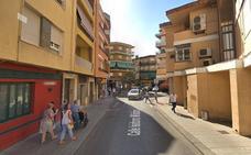 Intoxicadas por humo una mujer y un menor en el incendio de un piso en Andújar
