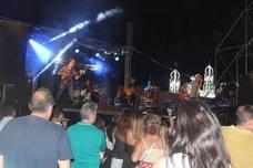 Las actuaciones musicales se programan simultáneamente en el recinto ferial