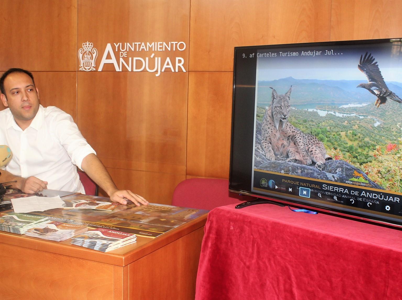 El área de Turismo pone en marcha el nuevo material difusor del municipio