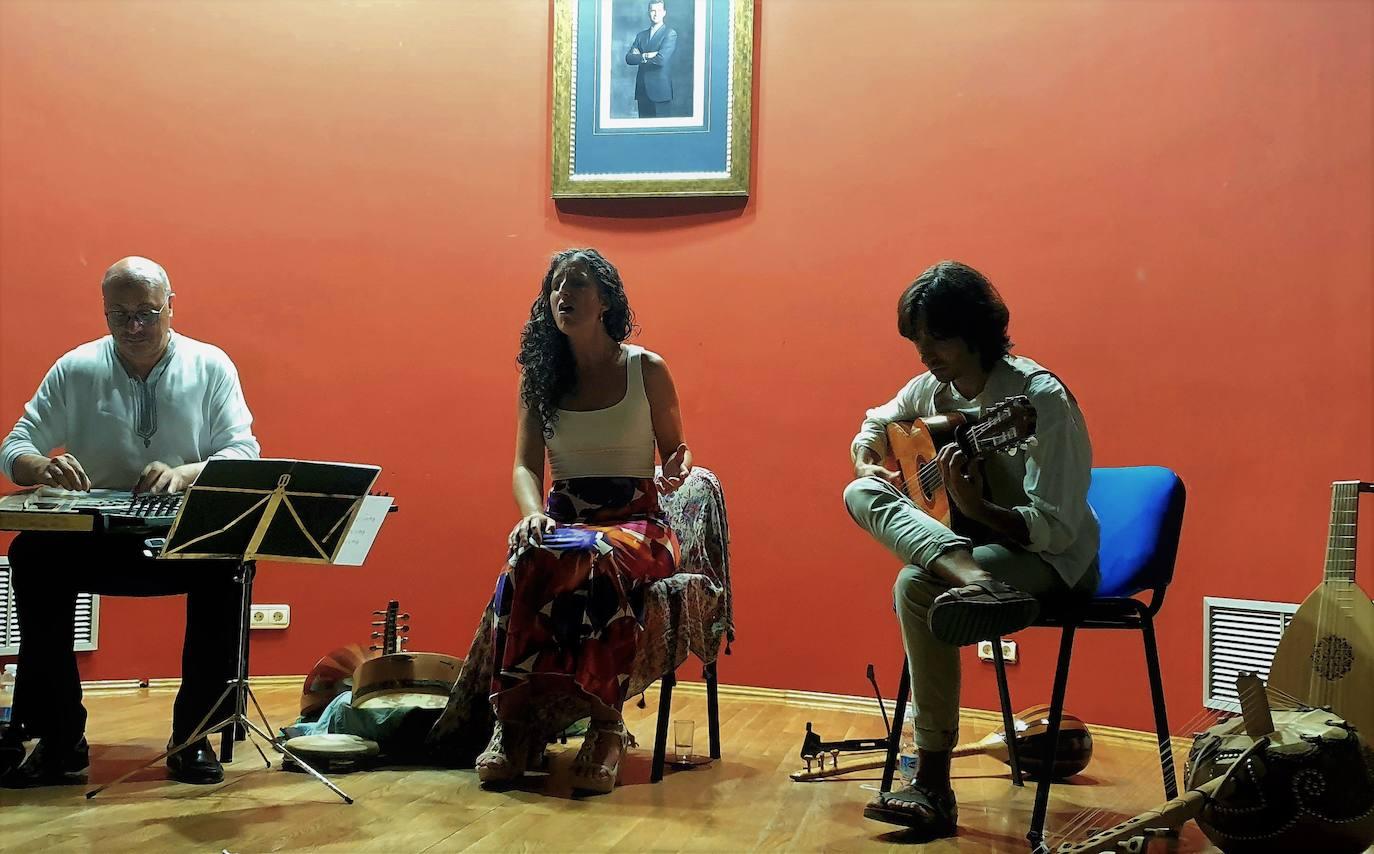 Unión de historia de España y de sones musicales