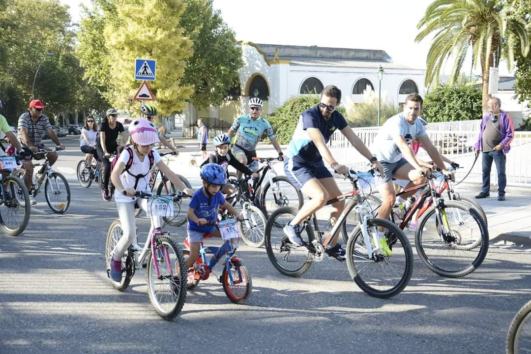 La ciudadanía participa de lleno en el Día de la Bicicleta