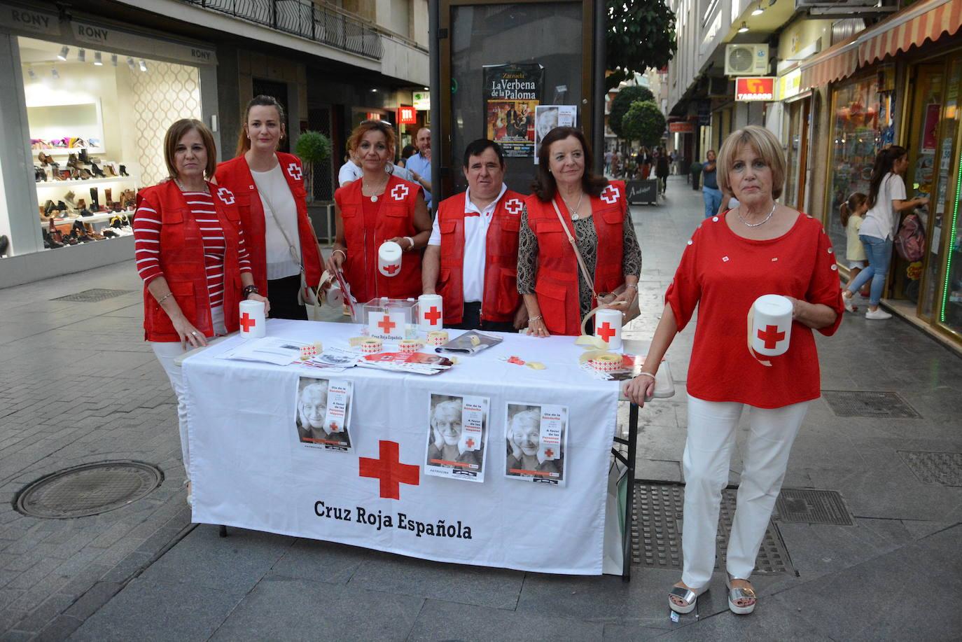 Cruz Roja recauda 1.699 euros en el Día de la Banderita