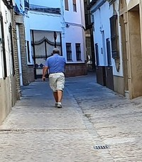 Vecinos de la calle Estudio exigen el arreglo de la calzada al ser de las pocas que quedan empedradas