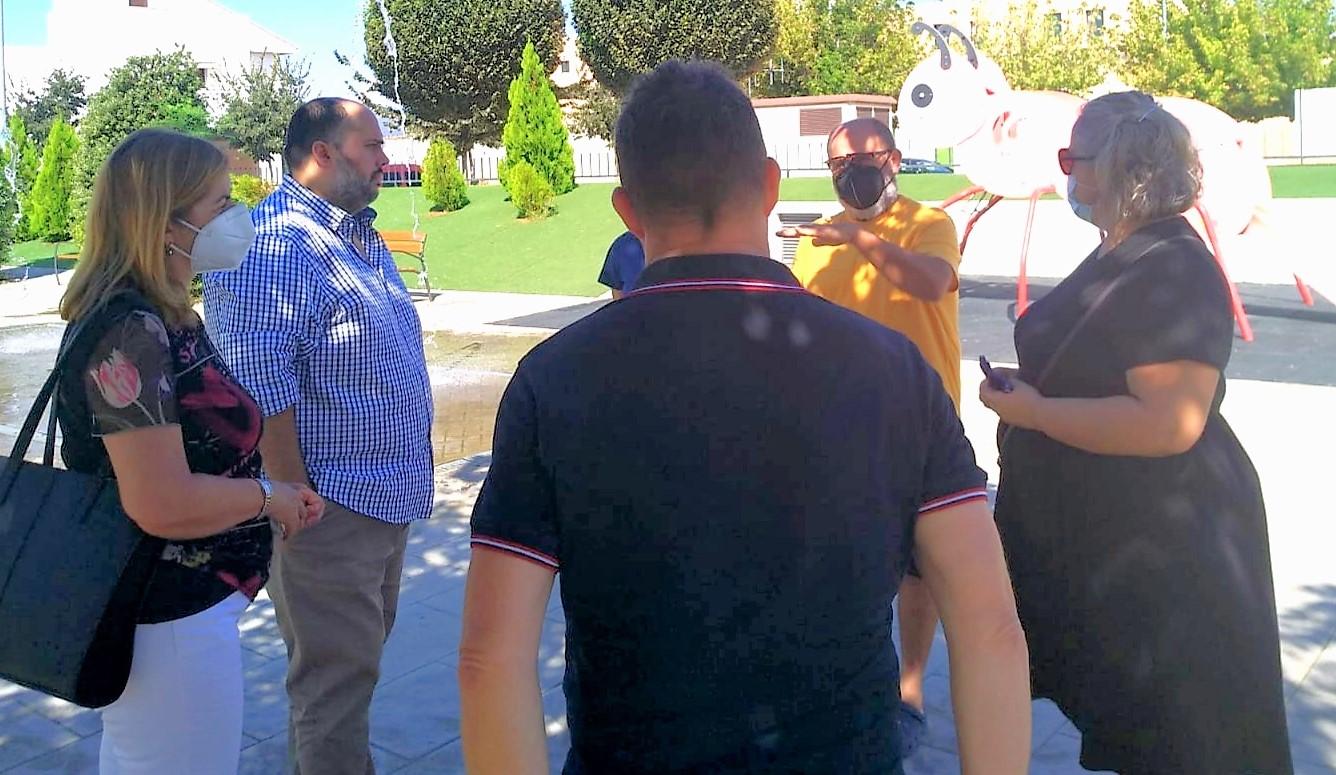 Varias concejalías adoptan medidas para atajar el vandalismo en el barrio de La Paz