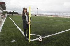 El campo de fútbol de Armilla luce el nuevo césped artificial