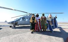 Los Reyes Magos llegan en helicóptero a Granada