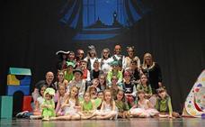 Los niños y niñas de Armilla recuperan la magia con la obra de teatro 'Un paseo con Mary Poppins'