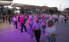 Baile al aire libre cada domingo para los mayores de Armilla