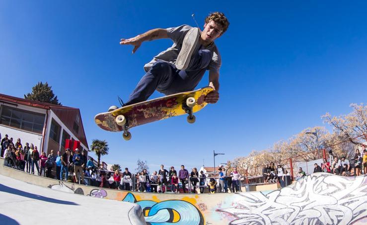 Exhibición en Armilla de los mejores skaters de España