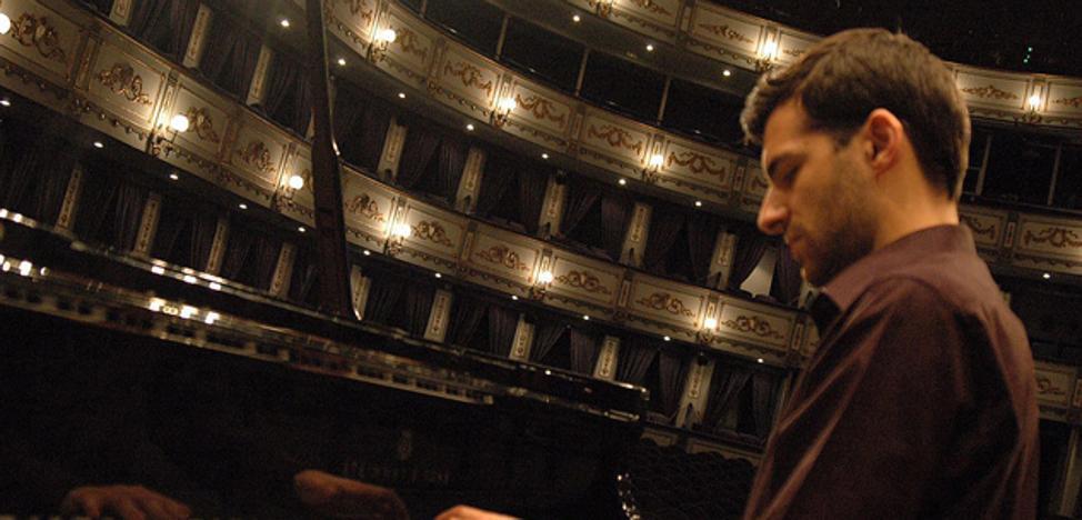 El pianista Isaac Villalba ofrece un concierto a beneficio de Manos Unidas