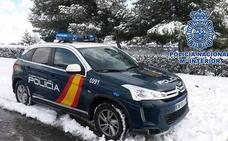 La Policía Nacional rescata a dos personas en la sierra de Baza