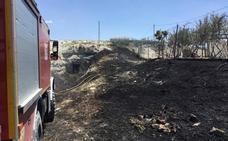 Los bomberos de Baza extinguen tres incendios durante el fin de semana