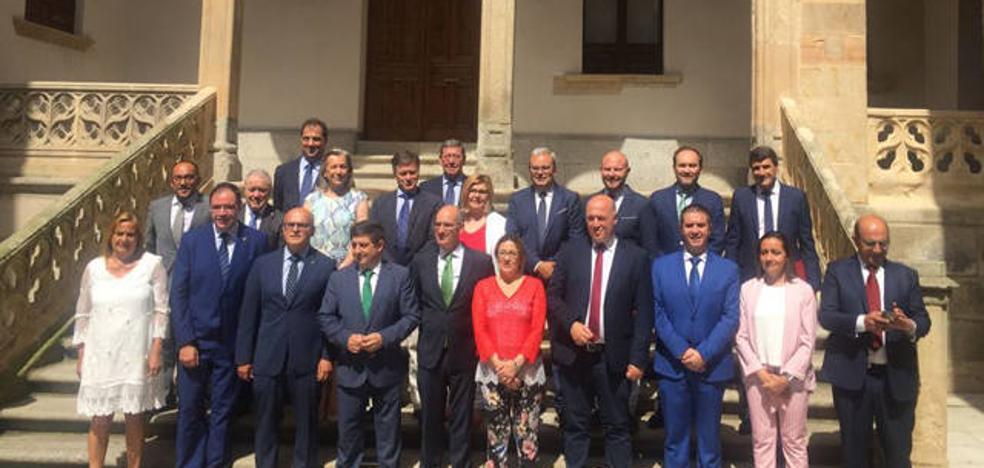 Pedro Fernández en la reunión de la Comisión de Diputaciones Provinciales celebrada en Salamanca