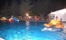 El Ocio Nocturno comienza con una fiesta en la piscina de verano
