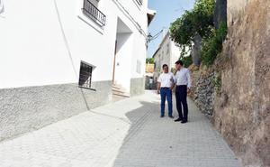 Una nueva calle mejora lo salida de vehículos del barrio del Cerrico