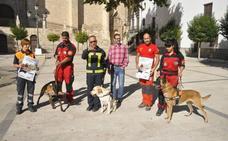 Baza acoge una jornada formativa de la búsqueda de personas con perros
