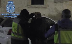 Detenido en Baza por agredir a una vecina tras discutir sobre la suciedad en el barrio