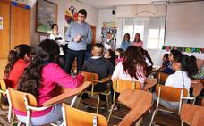 Los escolares de Baza le plantean al alcalde sus dudas y propuestas sobre la ciudad