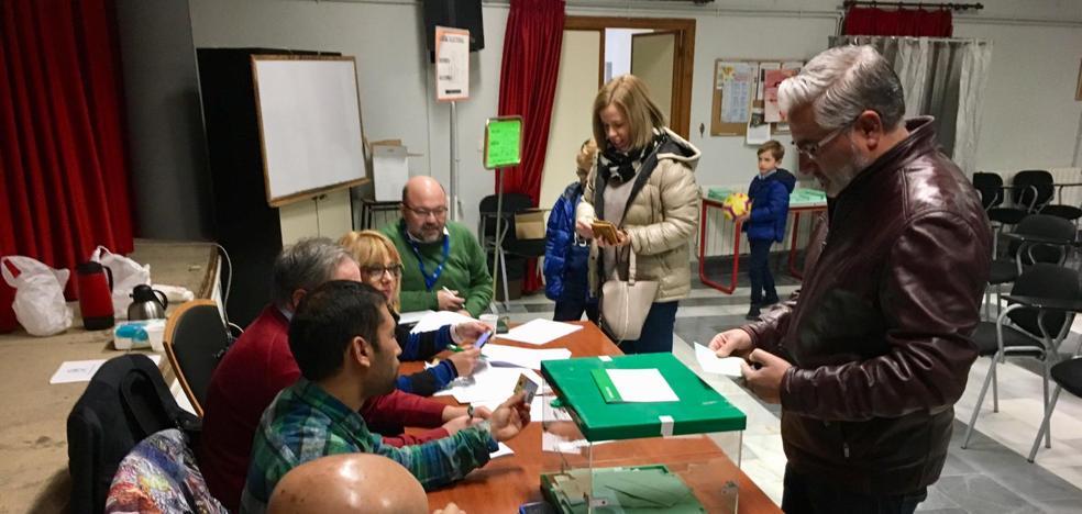 En Baza, el PSOE gana a pesar de caer con fuerza y Ciudadanos logra el segundo lugar