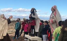 Los escolares conocen la ciudad íbera de Basti