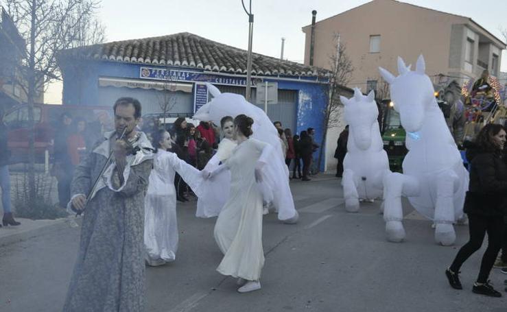 La Cabalgata de los Reyes Magos de Baza emociona a miles de personas