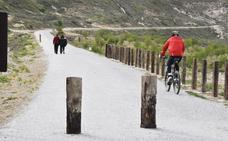 La vía verde de la comarca de Baza se amplía a 32 kilómetros ininterrumpidos