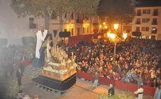 María Santísima al pie de la Cruz llena de belleza la noche del Martes Santo