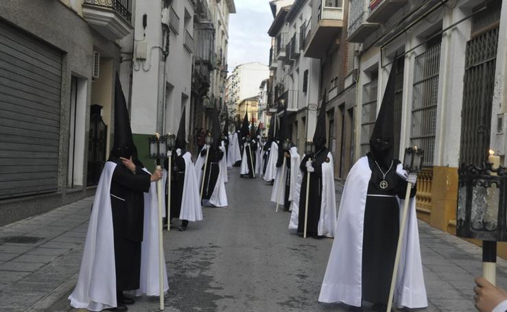 La Cofradía de Santiago realiza una excelente estación de penitencia