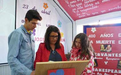Baza celebra el Día del Libro para animar a la lectura