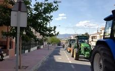 Tractorada en Cuevas del Campo por un precio justo del aceite de oliva